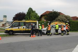 01.05.2019 Verkehrsunfall Aufräumarbeiten